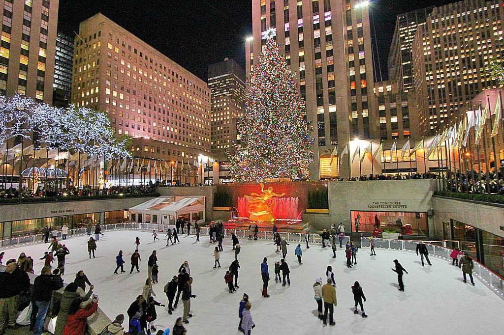 Addobbi Natalizi A New York.La Magia Del Natale A New York Viaggiamondo